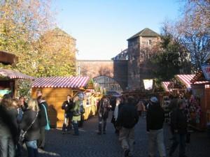 Der Weihnachtsmarkt am Sendlinger Tor bei Tag