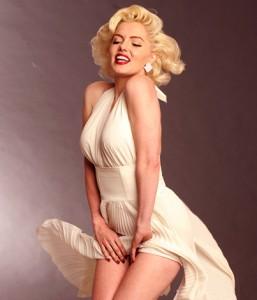 Suzie Kennedy als Marilyn Monroe in der Show Starlegenden