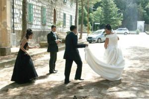 das i-camp München präsentiert mit Heiratsmarkt die 21. Stunde aus dem Zyklus Verwaltungsperformance
