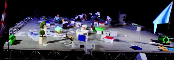 As The World Tipped ist eines der Theater Highlights auf dem Tollwood Sommerfestival 2012 in München