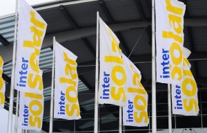 Intersolar Europe Flaggen auf dem Gelände der Neuen Messe München