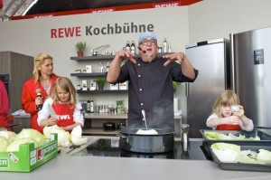 Starköche auf der REWE Family Kochbühne