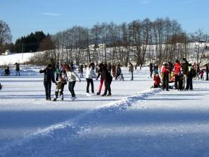 Eislaufen am Aichachsee