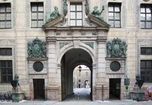Die Residenz in München ist ein großer Museumskomplex mitten in der Innenstadt von München