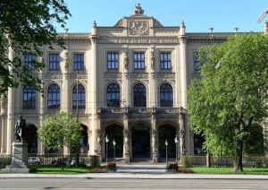 Kulturen aus aller Welt finden sich in den Sammlungen des Völkerkundemuseums
